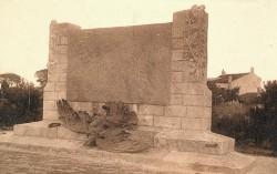 Monument aux morts de 14-18, ou l'Aigle déchu – La Couarde-sur-Mer