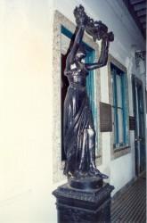 Le Lampadaire (ou jeune fille ) – O Lampadário (ou moça) Musée de la Ville –   Museu da Cidade – Rio de Janeiro