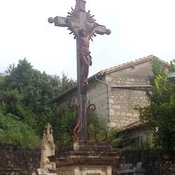 Christ en croix – Place de L'Église – Vieux