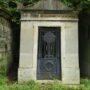 Portes de chapelles sépulcrales  - Division 30 - Cimetière du Père Lachaise - Paris (75020) - Image8