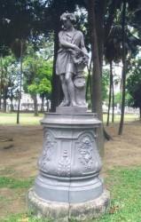 L'Automne sur piédestal- Estatua O Autono com pedesta – Rio de Janeirol