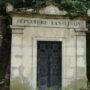 Portes de chapelles sépulcrales  - Division 30 - Cimetière du Père Lachaise - Paris (75020) - Image6