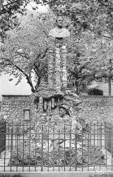 Monument à Félix Armand et à Louis Martel – Le Rozier (Mostuéjouls)