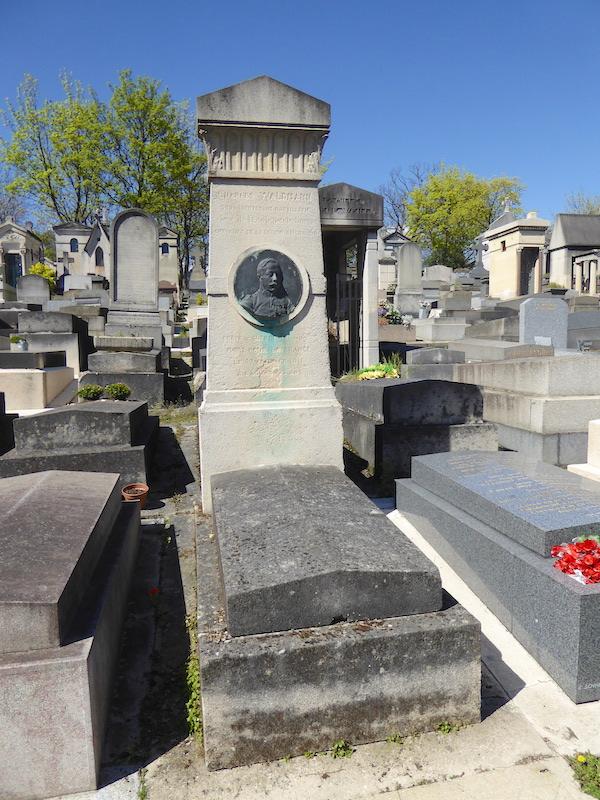 Tombe de charles waldmann cimeti re du p re lachaise for Chaise du capitaine