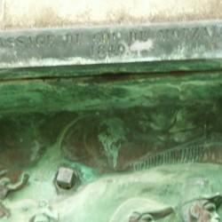 Bas-reliefs – statue de Ferdinand-Philippe, Duc d'Orléans – Château d' Eu