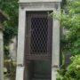 Portes de chapelles sépulcrales  - Division 18 - Cimetière du Père Lachaise - Paris (75020) - Image2