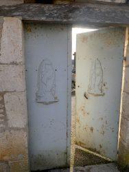 Croix et porte de cimetière – Escamps