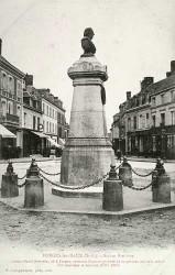 Monument à Louis-Henri Brevière – Forges-les-Eaux  (fondu) (remplacé)
