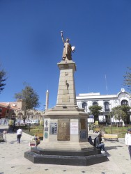 Estatua de la Libertad – Liberté – Plaza 10 de noviembre – Potosí