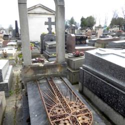 Tombe de la famille Preau – Cimetière du Père Lachaise – Paris (75020)