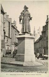 Monument à Alain Chartier – Bayeux (fondu)