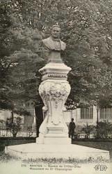 Monument à Pierre Marie Chassaignac – Hôtel-Dieu (hôpital) – Nantes (fondu)
