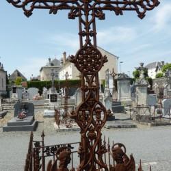 Croix funéraire  St Maixent l'Ecole