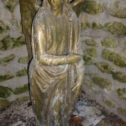 gisant du christ entouré de deux anges Saint-Georges-sur-Cher/n/Contenus/Articles/2014/01/12/Un-bijou-du-patrimoine-mis-en-valeur-1754450
