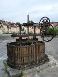 Pressoir – Place de la Comédie – Lons-le-Saunier
