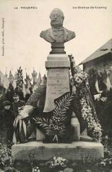 Monument à Alfred de Courcy – Paimpol (fondu)