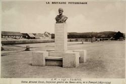 Monument à Armand Dayot – Paimpol (fondu – remplacée en pierre)