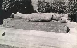 Monument à l'abbé Delbecque – Valenciennes