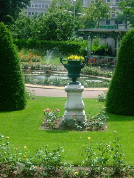Fontaine De La Roseraie Jardin Lecoq Clermont Ferrand