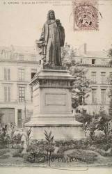 Monument à Dufresne du Cange – Amiens