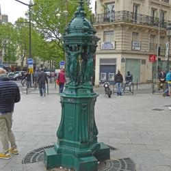 Fontaine Wallace – Place du Château-Rouge – Paris (7518)