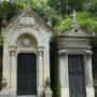 Portes de chapelles sépulcrales  - Division 30 - Cimetière du Père Lachaise - Paris (75020) - Image2