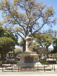 Monumento a José Bernardo Monteagudo – Plaza 25 de Mayo – Sucre