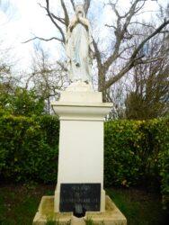 Vierge de Lourdes couronnée – Souligné-sous-Ballon