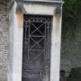 Portes de chapelles sépulcrales  - Division 30 - Cimetière du Père Lachaise - Paris (75020) - Image14