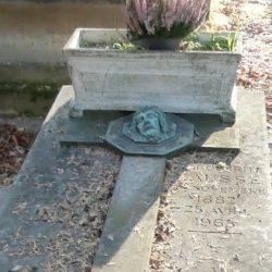 Ornements de sépulture (décors) – Division 91 – Cimetière du Père-Lachaise – Paris (75020)