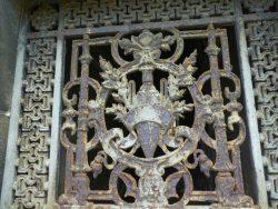 Portes de chapelles sépulcrales (2) – Division 49 sud-est – Cimetière du Père Lachaise – Paris (75020)