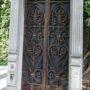 Portes de chapelles sépulcrales - Division 19 - Cimetière du Père Lachaise - Paris (75020) - Image6