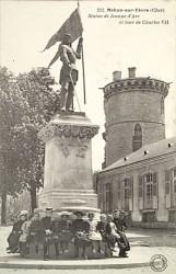 Monument à Jeanne d'Arc – Mehun-sur-Yèvre (fondu)