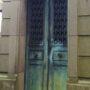 Portes de chapelles sépulcrales et corbeille - Division 55 - Cimetière du Père Lachaise - Paris (75020) - Image7