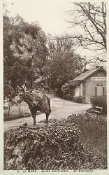 En excursion (Jeune fille sur un âne) – jardin des Plantes – Le Mans