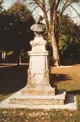 Monument au docteur Lacombe – Montbron