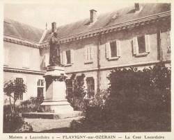 Monument au père Lacordaire – Flavigny-sur-Ozerain