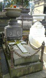 Entourages de tombes – Division 86 – Cimetière du Père Lachaise – Paris (75020)