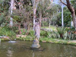 Femme au vase – Parc El Chico – Bogota