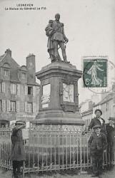 Monument au général Le Flô – Lesneven