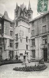 Monument à Jules Eugène Lenepveu – Angers