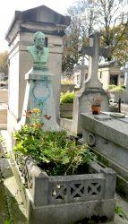 Buste du Docteur O. Dumesnil – Cimetière du père Lachaise – Paris (75020)