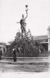Vichy accueillant ses hôtes – Place de la Gare – Vichy (fondu)