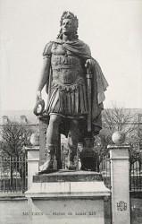 Monument à Louis XIV en empereur romain – Caen