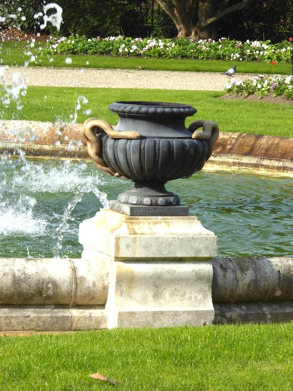 vasque avec jet d eau E-monumen