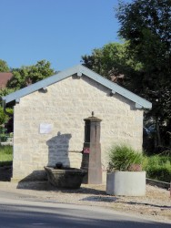 Fontaine-lavoir – Villers-Farlay