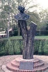 Monument à Olivier et Raoul de Montalent – Forges-les-Eaux