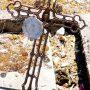 Croix avec motif d'urnes - Cimetière de la ville - Cahors - Image1