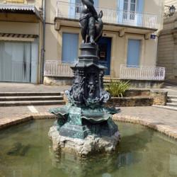 Fontaine – Place du Poste – Fumel