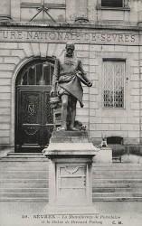 Monument à Bernard Palissy – Sèvres
